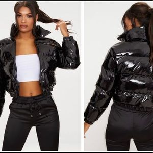 Jackets & Blazers - Black Cropped Puffer Jacket size L